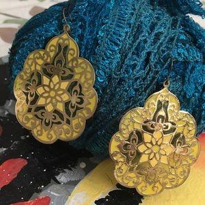 Jewelry - Design gold metal earrings